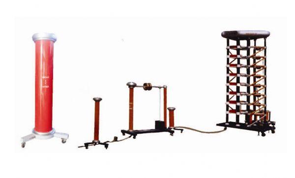 产品介绍LVG系列冲击电压测试系统,结合瑞士Haefely结构, 适用于低电压等级的产品, 双边不对称式充电, 波头、波尾电阻可并联使用, 波尾电阻之间装有放电间隙,用来提高同步放电性能, 调波电阻为板形结构,无感绕法, 所有同步放电球也可以均装在封闭的绝缘筒内,并不断地提供过滤空气。球隙不易受环境变化的影响,放电稳定;可产生 相关产品: