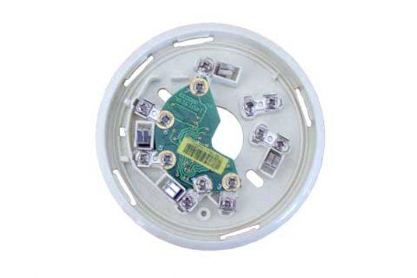 AHG2026总线隔离器底座是与AHG9600火灾报警控制系统配套使用,用于安装点型感烟火灾探测器(AHG992001)及点型感温火灾探测器(AHG992004)。该底座不占用环路地址点,并在总线回路发生短路时,隔离短路部分总线单元,保护总线回路其他部分不受影响,仍能正常工作。建议每总线回路安装数量不超过10个。技术参数:环境温度: 相关产品: