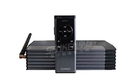 产品特点: 1、S310是一款外观精致、线条现代感强、工艺精湛的无线电子警报器。 2、具有:喊话、汽笛、低音、6S、防空四种功能,可根据使用要求选配一种警音、警音选 择功能。 3、100W输出,声音传达更广,威射力更强。 4、可提供多种音调,以配合不同的车辆及场合使用。 5、手柄按键控制部分照明分为开机亮度和工作亮度,使用操作时更得心应手。 6、分体式结构,安装更方便。 7、带2路灯光控制器,可方便控制其他警示灯的开启、关闭。 8、采用微型单片机控制电路,性能稳定、可靠。 9、无线控制距离在空旷地带30米