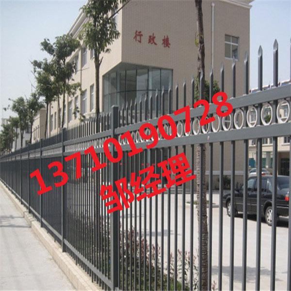 茂名隔离栅栏定做 梅州小区围栏图片 广东仿木栏杆批发