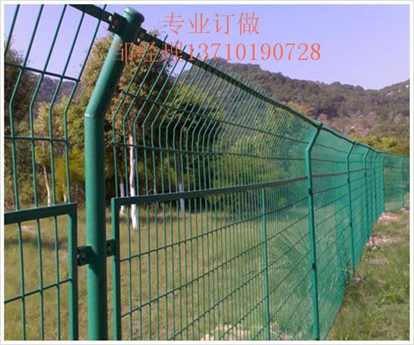 揭阳农场浸塑网图片 深圳花坛护栏网供应 中山道路铁丝网厂家