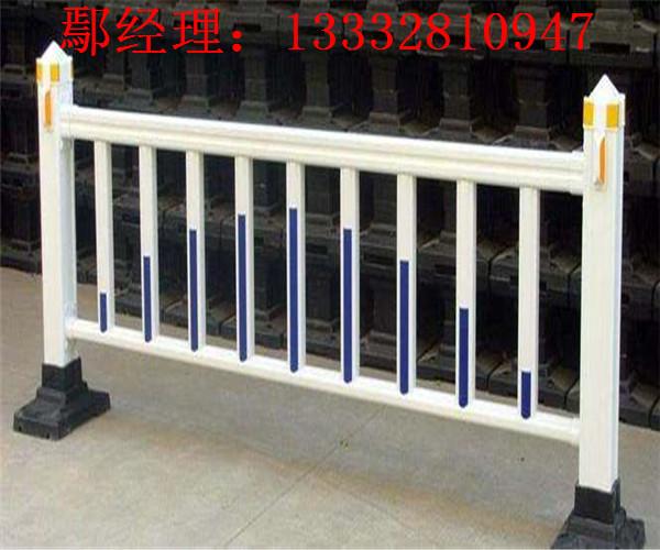 阳江镀锌钢管围栏 清远市政护栏图片 韶关公路防护栏现货