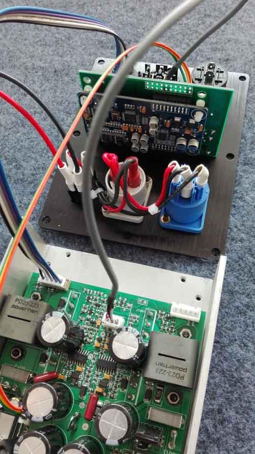 单路DSP有源功放1400W8欧,可全频可低音频点任意设置,开关电源