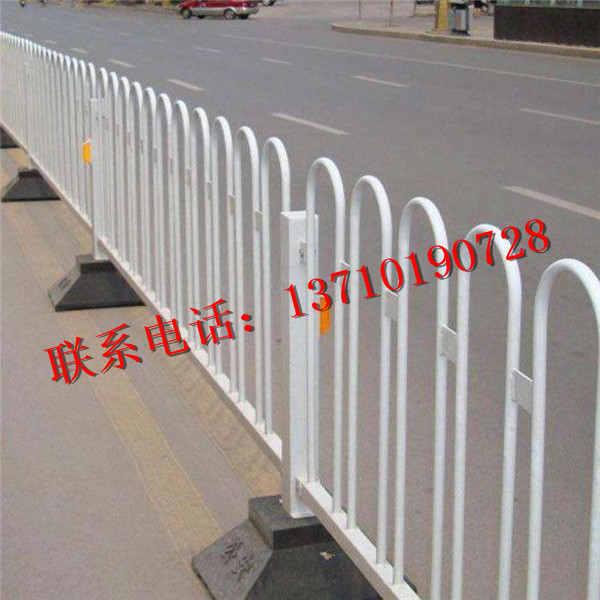 东莞路中隔离栏供应 江门市政防护栏厂家 深圳方通管护栏订做
